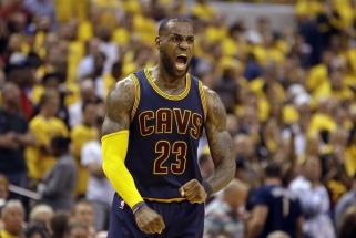 """""""Cavaliers"""" siautėja: šiąnakt į NBA istoriją įsirašė ir klubas, ir L.Jamesas"""