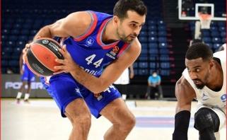 """Fantastiškai žaidęs K.Simonas ištraukė antra sudėtimi žaidusį """"Anadolu Efes"""""""
