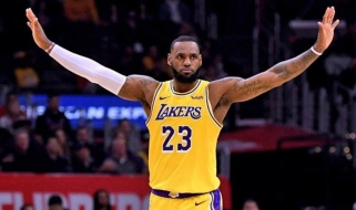 """L.Jamesas: """"Lakers"""" yra ten, kur ir turi būti"""