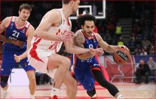 """""""Anadolu Efes"""" išsigelbėjo iš keblios padėties: trims žaidėjams leista nevykti į rinktinę"""