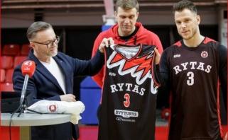 """""""Rytas"""" KMT turnyrui pateikė staigmeną - žaidėjai vilkės legendines čempionų aprangas"""