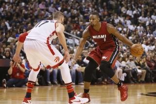 """""""Heat"""" nutraukė kontraktą su Ch.Boshu bet pagerbs garsųjį žaidėją"""