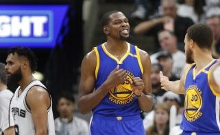 """K.Durantas pasiekė karjeros rekordą, o """"Warriors"""" - trečią pergalę prieš """"Spurs"""""""