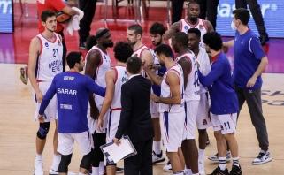 """""""Anadolu Efes"""" dėl traumų, viruso ir kitų problemų gali pritrūkti žaidėjų"""