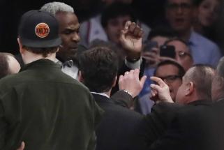"""NBA komisaras su M.Jordano pagalba sutaikė """"Knicks"""" savininką ir legendą"""