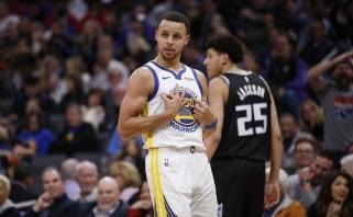 """NBA: """"Raptors"""" triumfas prieš lyderius, tritaškių rekordas ir nutrūkusi Hardeno serija"""