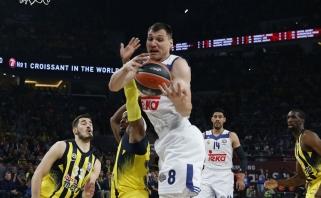 """""""Fenerbahce"""" Eurolygos pusfinalyje gana lengvai įveikė """"Real"""" su J.Mačiuliu"""