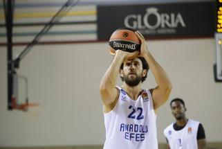 """""""Gloria Cup"""" turnyras - tikras COVID 19 židinys: užsikrėtė ir """"Anadolu Efes"""" atstovai"""