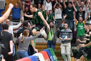 """""""Real"""" paskolintas Europos čempionas išplėšė pergalę metimu nuo priešingos tritaškio linijos"""