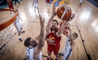 Ispanai neturėjo vargo su Čekijos krepšininkais (video)