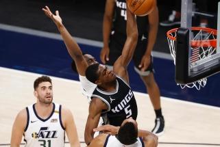 Foxo dėjimas, Mitchello blokas ir akrobatiškas Irvingo metimas – NBA Top 10 viršūnėje