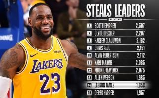 """L.Jamesas pakilo visų laikų geriausių NBA kamuolių """"vagių"""" sąraše"""