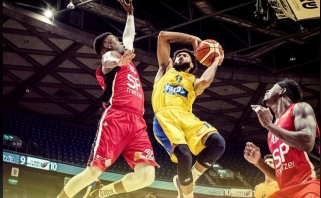 """Sensacija neįvyko: nukraujavęs """"Maccabi"""" rado naują lyderį ir iškopė į pusfinalį"""