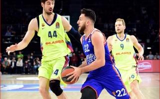 """V.Micičius sužaidė karjeros rungtynes, o """"Anadolu Efes"""" pergalingai startavo ketvirtfinalyje"""