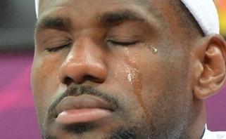 NBA žaidėjams gali tekti grąžinti klubams milijonus, tarp jų - ir LeBronui bei Durantui