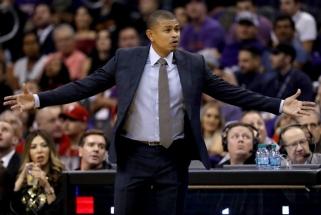 """Tragiškai sezoną pradėjęs """"Suns"""" klubas atleido vyr. trenerį"""