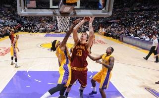"""T.Mozgovas už milžinišką sumą keliasi į """"Lakers"""""""