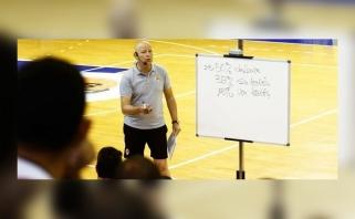 Stiprybės pavyzdys – tarp Lietuvos rinktinės trenerių buvęs ispanas įveikė vėžį, o dabar – koronavirusą