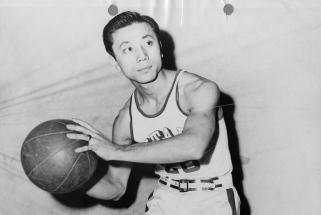 Mirė pirmasis ne baltaodis NBA žaidėjas