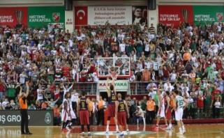 #DėmesysEurolygai: R.Seibutis ir M.Pocius apie karštą krepšinio rungtynių atmosferą Turkijoje (VIDEO)