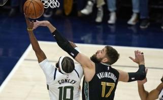 """""""Grizzlies"""" su Valančiūnu pateikė pirmą staigmeną – atkrintamųjų starte nukovė geriausią NBA klubą (rezultatai)"""