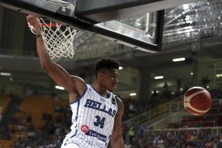 NBA žvaigždės vedė serbus ir graikus į pergales, bet nuotaiką gadino traumos