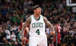"""NBA: """"Celtics"""" pavijo čempionus, """"Warriors"""" sunkiai išlaikė pozicijas Vakaruose"""