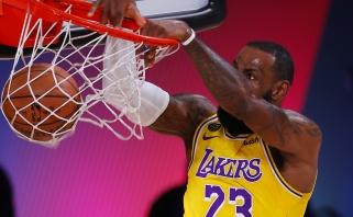 """""""Lakers"""" atakos """"žemė-oras"""" - gražiausi NBA nakties momentai"""