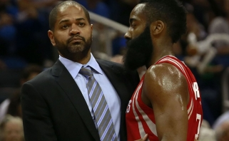 """Pavyzdys D.Motiejūnui? Treneris J.B.Bickerstaffas sprunka iš """"Rockets"""""""