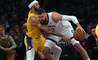 """Dominavęs J.Valančiūnas padėjo """"Grizliams"""" sudraskyti """"Lakers"""" su LeBronu"""