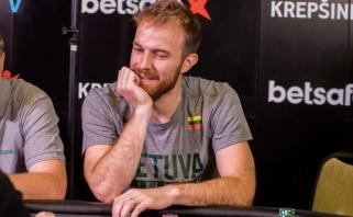Lietuvos rinktinės krepšininkai varžėsi pokerio turnyre