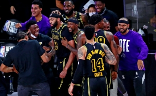 "Fantastiškas Daviso tritaškis su sirena padovanojo ""Lakers"" antrą pergalę"