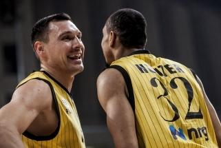 Oficialu: J.Mačiulis pratęsė kontraktą su AEK