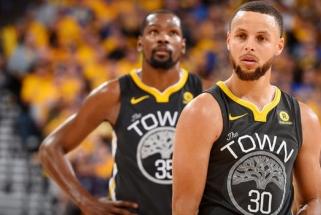 """""""Warriors"""" su S.Curry ir be K.Duranto laimėjo 29 iš 30-ies pastarųjų rungtynių"""