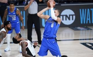 """""""Mavericks"""" serijoje su """"Clippers"""" turės gelbėtis be Porzingio"""
