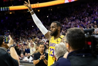 LeBronas aplenkė Kobe ir tapo trečiu rezultatyviausiu NBA krepšininku