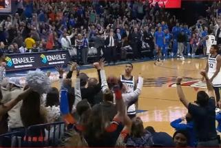 NBA nakties momentas - fantastiška ataka su perdavimu per visą aikštę