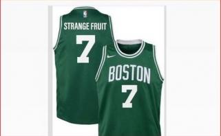 """""""Celtics"""" žvaigždė sezoną tęs ant marškinėlių užsirašęs """"Keistas vaisius"""""""