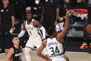 """""""Bucks"""" įspūdingai atsitiesė, """"Lakers"""" ir """"Mavericks"""" patyrė nesėkmes"""