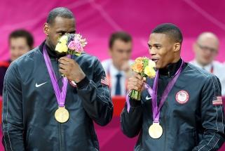 Daugiausia NBA naujokų mėgstamiausiu krepšininku įvardijo L.Jamesą