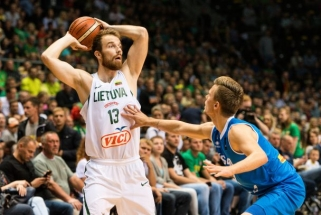 Lietuva pralaimėjo antrą pusę, tačiau sutriuškino Islandiją