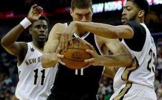 """D.Motiejūnas drąsiai mėtė iš toli, bet """"Pelicans"""" į košmarą panardino lygos autsaideriai"""