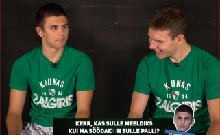 Jaunieji žalgiriečiai R.Jokubaitis ir K.Kriisa pasigalinėjo estų ir lietuvių kalbų žinojime