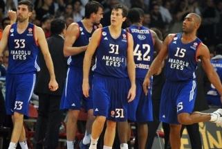 """Turkijos grandų dvikovoje """"Anadolu Efes"""" nukovė Eurolygos čempionus"""