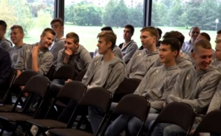 Jauniesiems žalgiriečiams - NBA pavyzdžiu surengta edukacinė konferencija