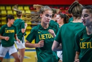 """13-metė talentė J.Jocytė žais naujojoje """"Neptūno"""" komandoje Moterų lygoje"""