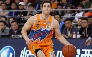 Kinijoje tiesiog siautėjęs J.Fredette'as grįžta į NBA