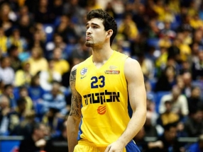 """J.Alexanderis oficialiai grįžo į """"Maccabi"""""""