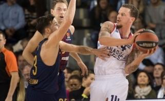 """Pirmą pergalę Eurolygoje """"Anadolu Efes"""" iškovojo skeldama antausį """"Barcelonai"""""""