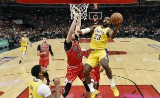"""LeBronas užsivedęs: trečias iš eilės trigubas dublis ir neįtikėtina """"Lakers"""" pergalė"""